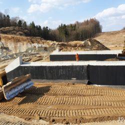 Zasypka fundamentu obiektu PZDd-2 w km 1+772