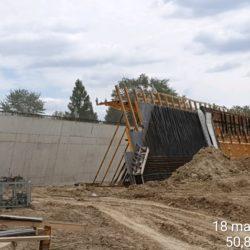 Zbrojenie i deskowanie ściany obiektu WD-9 w km 7+986