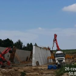 Betonowanie ścian PZDsz-8 w km 5+929