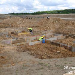 Deskowanie pod fundamenty budynku toalet na MOP prawy km 10+100