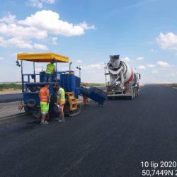 Ściek trójkątny metodą ciągłego betonowania w km 14+200