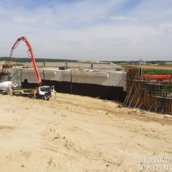 Betonowanie skrzydełek wiaduktu WS-6 w km 4+494