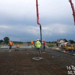 Betonowanie ustroju nośnego wiaduktu drogowego WD-10 w km 9+006