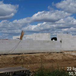 Roboty konstrukcyjne na budynku toalet na MOP strona lewa