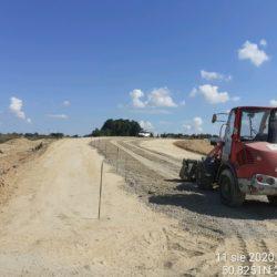 Wykonywanie podbudowy z kruszywa- dojazd o obiektu WD-7 km 5+178