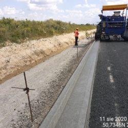 wykonanie korytka betonowego metodą ślizgową km 17+800