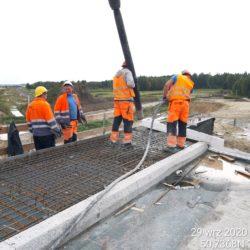 Betonowanie kapy chodnikowej WD-18 km 17+209