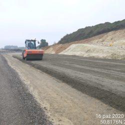 Zagęszczanie podbudowy C5/6 km 6+150 jezdnia lewa