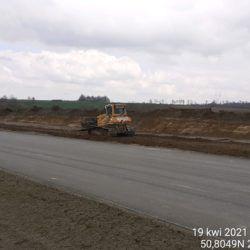 Profilowanie terenu w pasie drogowym 7+700