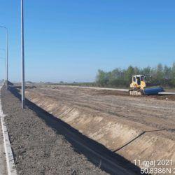 Profilowanie terenu w pasie drogowym 3+800