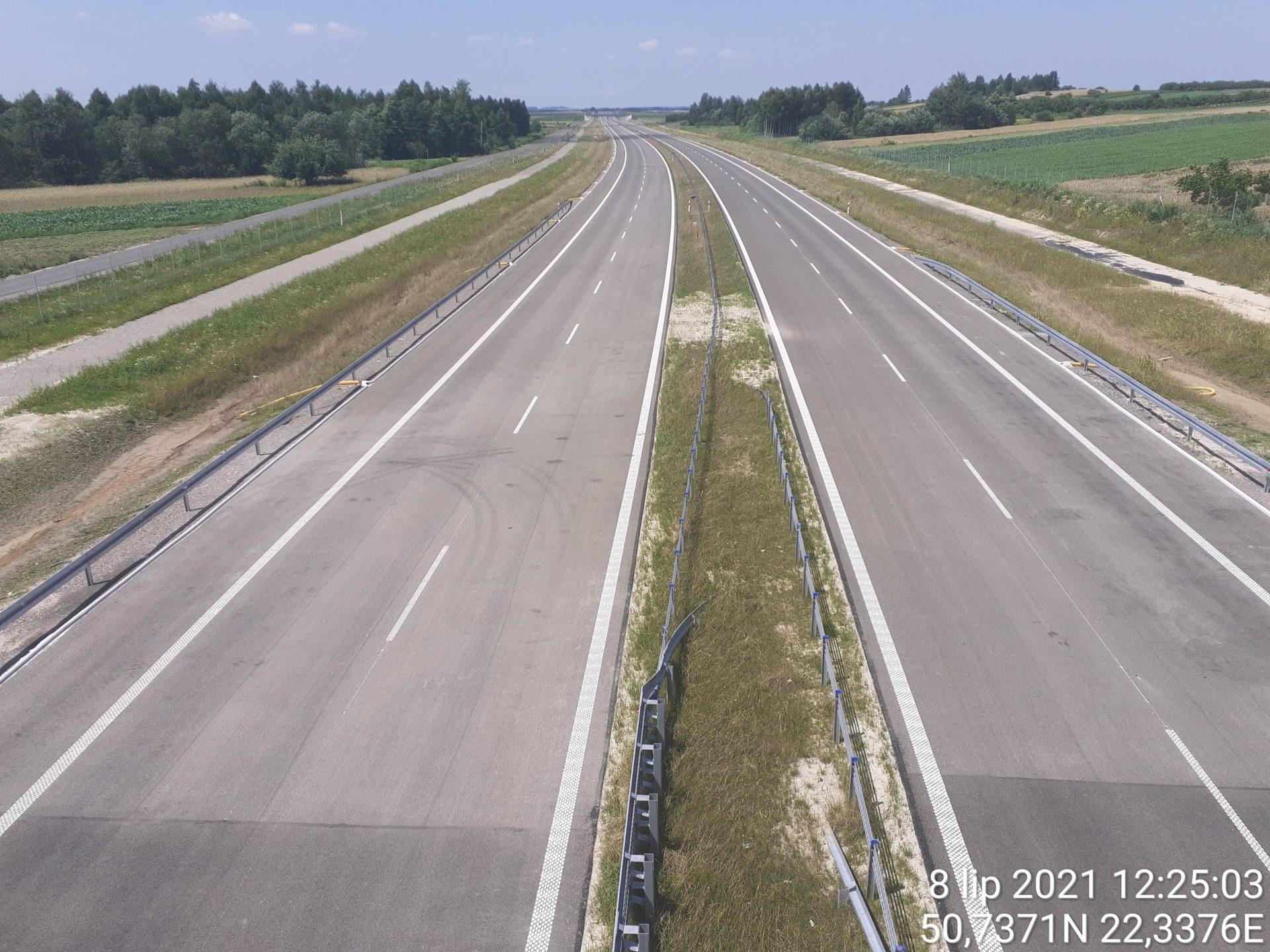Widok na ciąg główny w kierunku Lublina z obiektu WD-18 17+209